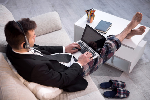 Virtual call center agent working from home